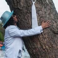 Перуанец се ожени за … дърво